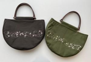 花装飾の丸型バッグ